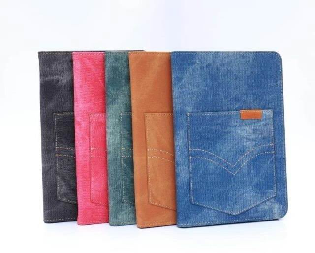 case-of-denim-with-a-pocket-for-apple-ipad-0