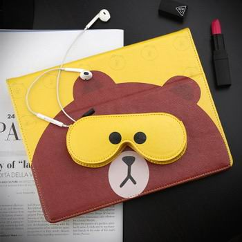 case-with-cute-pictures-of-bear-amp-rabbit-with-a-pocket-for-headphones-for-apple-ipad-00