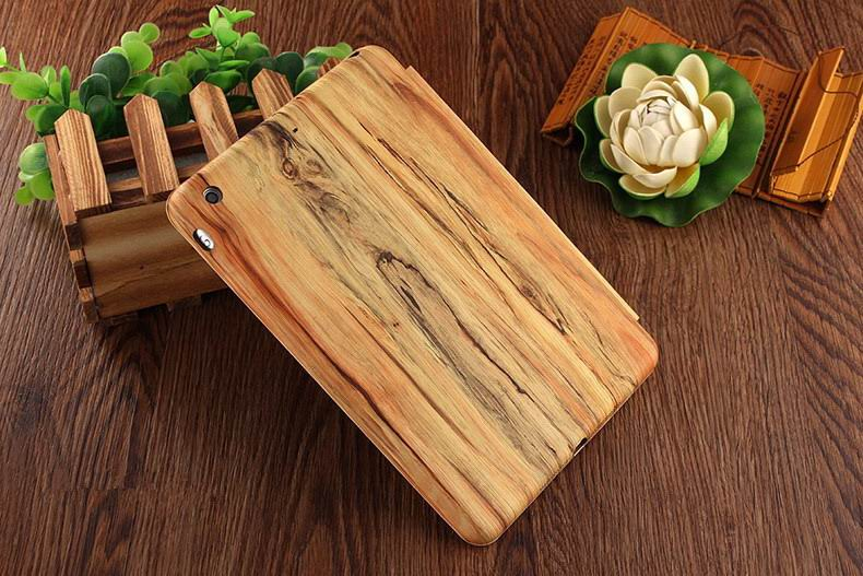 Case with wood grain for Apple iPad Mini 4