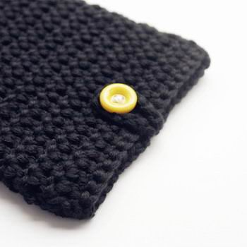 handmade-knitted-sleeve-for-apple-ipad-00