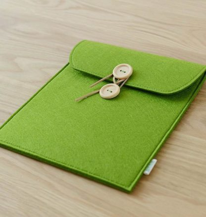 Sleeve with wooden buttons for Apple iPad 2, iPad 3, iPad 4, Apple iPad Air 1, iPad Air 2