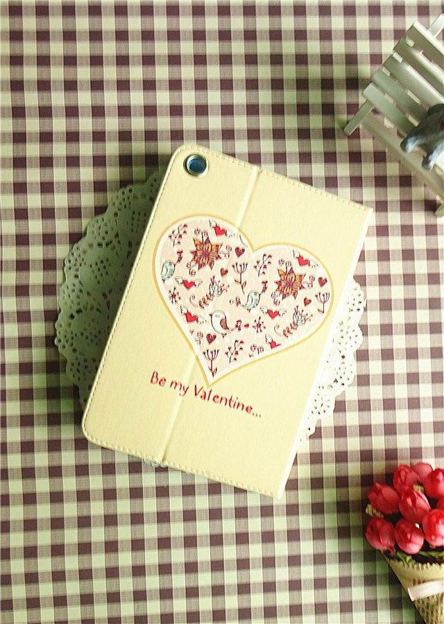cute case with pictures of girl heart fish and other Love the yellow bottom: