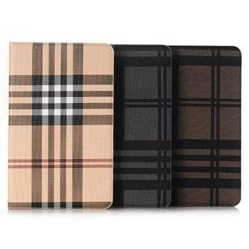 case-with-plaid-pattern-and-card-slots-00