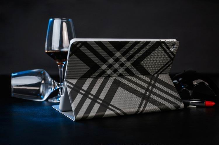 mediapad m3 case with a plaid pattern and 2 stand